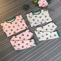 Wholesale Girls clothes Boutique clothing Kids Clothing Long Sleeve Pajamas Set children s suit Floral pattern Winter baby girls Pajamas