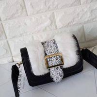Wholesale 2016 new hot sale shoulder diagonal cross clutch fashion ladies stitching women tide rabbit cortex