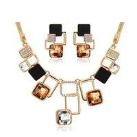 achat en gros de or jeu de pierre-Forme européenne et américaine Golden Geometric Big Stone Jewelry Sets Austrian Crystal Fine Jewelry Set pour personnalité féminine