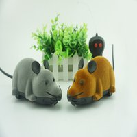 Wholesale Two remote control mouse pet flocking simulation simulation animal toy remote control mouse tricky
