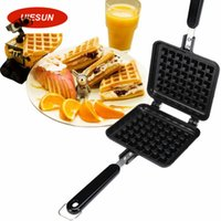 Wholesale New Arrival Waffle Mould Non stick Cookie Cake Mold Waffles Pans DIY Muffins Mould for Love Breakfast Bakeware UIE318