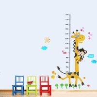 Los niños lindos de la medida de la altura del cabrito de la medida del crecimiento de la pared de la etiqueta engomada de la pared de la historieta de la jirafa de la historieta suministran los 60 * 90cm