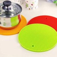 Wholesale Soft Silicone Kitchen Plum Blossom Heat Insulation Bowl Saucepan Mat Coasters Round Pad