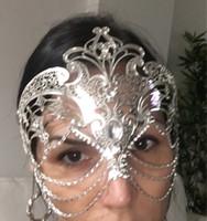 Wholesale White Black Silver Gold Wedding Party Mask Men Women Chain Venetian Metal Laser Cut Prom Cosplay Phantom Opera Masquerade Mask