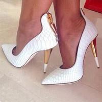 al por mayor los picos de los talones de oro-Diseñador de moda Talon Femme Oro Spike talón Damas Bombas de piel de cocodrilo Negro Blanco Partido zapatos mujer punta dedo del pie tacones altos