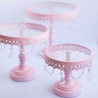 Bon Marché Supports métalliques pour le verre-Stand de gâteau de mariage Stand de gâteau en métal de couleur rose 3pce / set Party decoration supplier pâtisserie à fourchettes à dessert