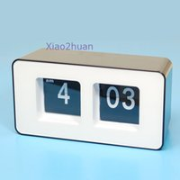 Wholesale Retro Flip Classic Stylish Desk Auto Modern Wall Clock good quality