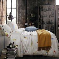 Wholesale Modern Style white and feather pattern cotton active printing Bedding sets King Queen size Bedding Supplies