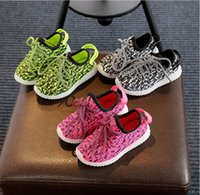 Wholesale New Kids Light Up Shoes Boys Girls Sneaker With Light Kid Luminous Led Sneakers Lighting Child Casual Shoes Baby Lighted Sneaker yezzy shoes
