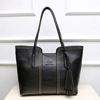 Wholesale 2017 European and American fashion classic lady handbag shoulder bag aristocratic women Xiekua package light luxury tassel bag