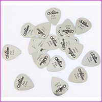 Wholesale 100pcs set Bass Guitar Picks mm Alice Stainless Steel Acoustic Electric Guitarra Plectrums Accessories Musical Instrument