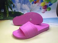 Wholesale hotsale vers men fashion classic slide sandals medusa slippers for mens outdoor beach slip on rubber scuffs