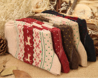 acrylic flakes - New women s socks Ultra Comfortable short Christmas Gift Snow flake Deer Design ladies Warm Winter Wool Socks Colors