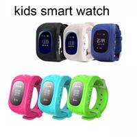 achat en gros de perdu android-Q50 enfants montre intelligente gps montre téléphone sécurité avec SOS enfants anti-perte de montre pour IOS téléphone Android 5 couleurs disponibles
