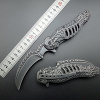Wholesale knuckles skull knife Stonewash C Assisted Folding Knife Tactical Folding Blade CLaw Knives