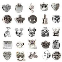 achat en gros de bracelets en alliage bijoux de mode-Mix 33 différents en alliage charme perle rétro Big Hole 925 plaqué en argent style femmes bijoux de style européen pour Pandora Bracelet Promotion