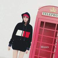 2016 Europe and the United States in the new paragraph Hooded Hoods fight red and white blue velvet sweater women