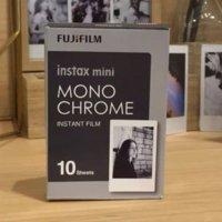 2016 Nuevo papel monocromático 10pcs de la foto de Fuji Fujifilm Instax mini película para mini 8 7s 7 50s 50i 90 25 dw