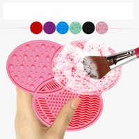 Wholesale Clover Silicone Makeup Brush Cleaner Wash Scrubber Board Cosmetic Clean Pad Mat