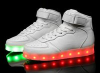 Chaussures fantômes Prix-2017 Chaussures lumineuses colorées Chaussures lumineuses respirantes lumineuses lumineuses de LED de fantôme de chargement de chaussures de femmes d'hommes d'espadrilles de chaussures de LED Livraison gratuite de DHL