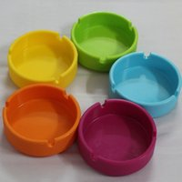 Wholesale New Design Silicone Ashtray Round Ciagrette Ashtray Eco friendly Shatterproof Smoking Gadgets Portable Soft Smoking Accessrories YHG001
