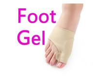 Compra Calcetines de pie grande-Bunion Gel calcetines manga Hallux Valgus dispositivo pie dolor aliviar cuidado de los pies silicio ortóticos pulgar superposición dedos grandes corrección de un par