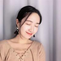 Wholesale South Korea s temperament pearl tassel earrings Long black and white earrings Simple fashion eardrop temperament of a couple