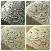 Wholesale European Luxury Diamond Crystal D Wallpaper D Flocking Non woven Wallpaper Roll Living Room TV Wall Paper Roll Floral