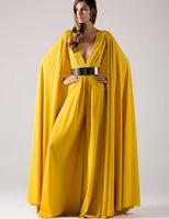 al por mayor la gasa de dubai-2017 árabe largo formal vestidos de noche con cinturones de oro del cabo Sexy profundo V cuello amarillo gasa musulmanes Dubai Kaftan mujeres vestido de noche