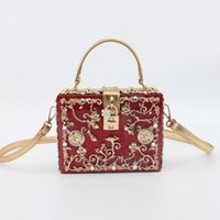 Wholesale new style European popular top end carved box bag handbag Diamond dinner bag acrylic package many colors for your reference