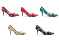 Wholesale Chinese style retro wedding shoes red bride shoes with high heeled pointed shoes green shoes embroidered green dress shoes