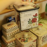 Wholesale Retro Flower Square Large Tin Box Sealed Cans Snack Barrels Biscuit Box Candy Storage Box Protable Case Creative Gift