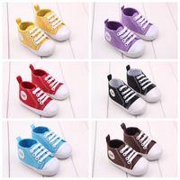 al por mayor zapatos de bebé de la vendimia-Zapatos de bebé de moda Vintage negro blanco algodón primeros caminantes zapatos antideslizantes para niños bebés