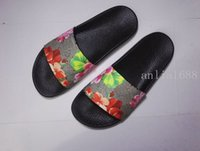 Unisex Flat Heel PU new arrival 2017 mens and womens fashion red flower blooms print slide sandals unisex causal slippers summer outdoor beach flip flops