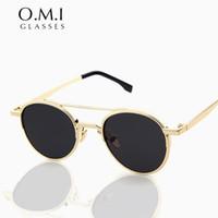 Quién Cutie 2017 Hot Rays Vintage marco de metal redondo Cool Gafas de sol Estimado clásico liso gafas de marca Designer Eyewear Oculos OM100