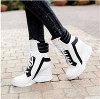 achat en gros de bottines plates rouges-2017 Lace Up Wedges Plate-forme Chaussures Casual Femme Patchwork Femmes Hiver Printemps Noir Blanc Rouge Cheville Bottes Femmes baskets