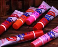 Wholesale Rip pull lip gloss waterproof membrane bite lips nondiscolouring make up magic color lipstick