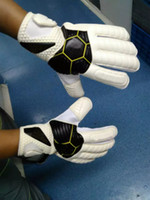Wholesale Genuine Brands Soccer Goalkeeper Breathable training High quality gloves with finger guard Wear non Slip Professional Super Latex
