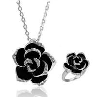 Ensembles de bijoux de mode de qualité supérieure Vente chaude collier de fleurs noires et anneaux de vente pour les femmes Fille de mariage de fille en gros Livraison gratuite 0422WH