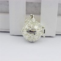 american jews - Aromatherapy Essential Oil Diffuser Pendant Necklaces Antique Silver Gold Silver Hollow Butterfly Diffuser Charms Pendant Women Fashion Jew
