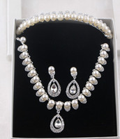 Tiaras&Crowns adorn crystal glass - The new hit the bride adorn article pearl three piece foreign trade in Europe and the necklace wedding crown suits