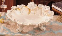 Wholesale Ceramic fruit plate ivory porcelain the checked design outline in gold handcraft flower plate