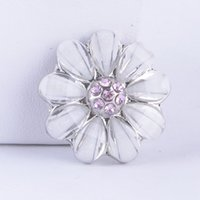 Wholesale new Flowers women s ginger mm snap buttons with rhinestone fashion chunk charms diy jewelry brand new