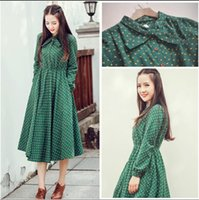 Wholesale Cute green floral dresses vintage ladies dresses Bohemian style autumn winter new fashion long sleeve dress