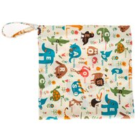 Vente en gros-coloré imprimé sac à couches Réutilisable lavable humide tissu sec Zipper étanche Baby Nappy sac à couches