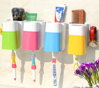 Wholesale happy familyToothbrush Wall Suction Bathroom Sets cups Sucker Toothbrush Holder Suction Hooks