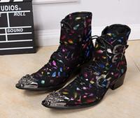 El metal de lujo del diseño señaló el tobillo del mens del cuero de la impresión del dedo del pie patea los zapatos de los altos talones de los altos talones del invierno del otoño