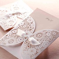 Grossiste-10Pcs / Lot Laser Découpe Invitations De Mariage Cartes De Papier Party Décoration Bow Blanc Printable Flora Favors