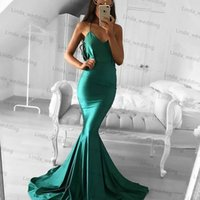 achat en gros de robe de soirée à col roulé-2017 Fashion Green Sexy Backless Robe de bal Cheap V Neck sans manches Ruffles Long Soirée formelle Soirée Robe Custom Made Plus de taille