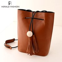 Shoulder Bags ball fringe - Vintage Tassel Bucket Bag For Women Fringe White Ball Female Messenger Bag Shoulder Bag String Casual PU Leather Women Handbag